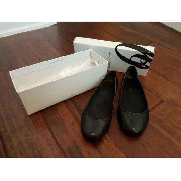 Nine West Shoes - Nine West Black Flats size 8